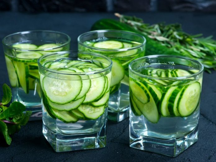 Top 7 benefits of cucumber water